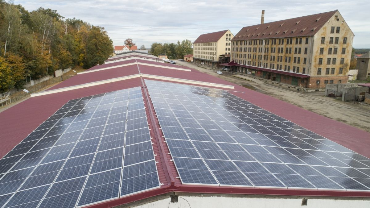 Od października wzrosną opłaty za prąd. Inwestycja w fotowoltaikę może pomóc firmom w kryzysie zaoszczędzić na rachunkach