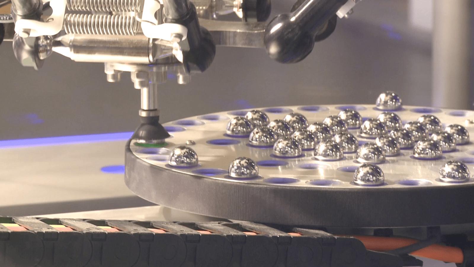 Pandemia przyspiesza robotyzację polskich firm. Ludzie są coraz częściej zastępowani przez maszyny