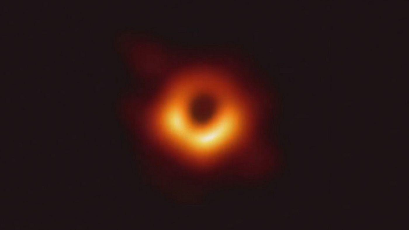 Detektory kosmiczne wykryły największe z dotychczasowych źródeł fal grawitacyjnych. Zdaniem naukowców zdarzenie jest bardzo nietypowe
