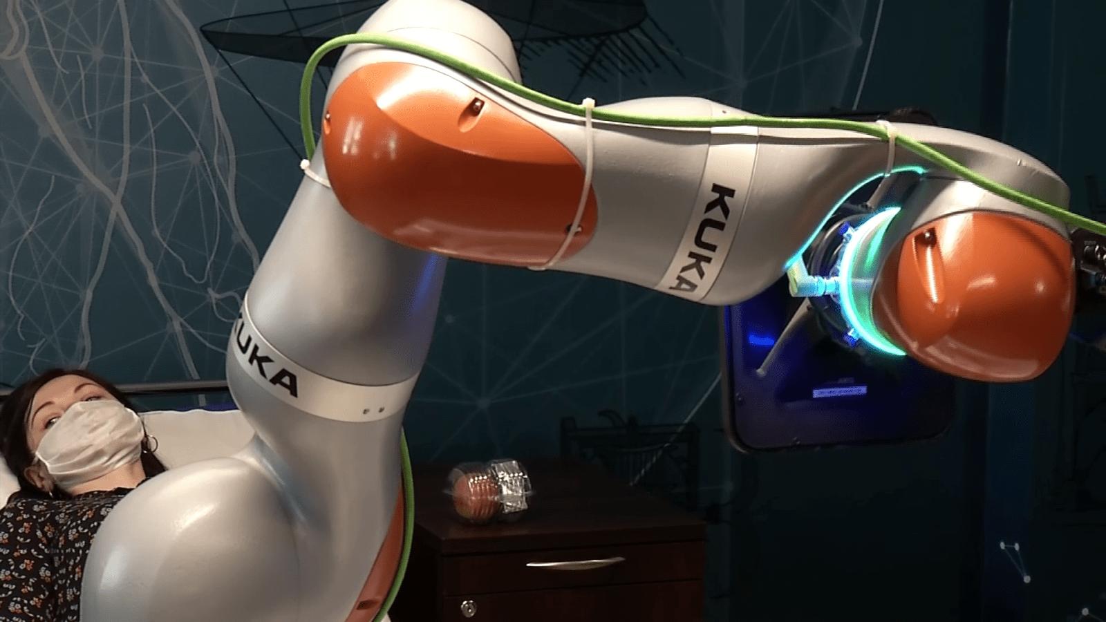 Roboty pomogą osobom niepełnosprawnym w codziennym życiu. Wspomagane sztuczną inteligencją będą mogły nawet je karmić