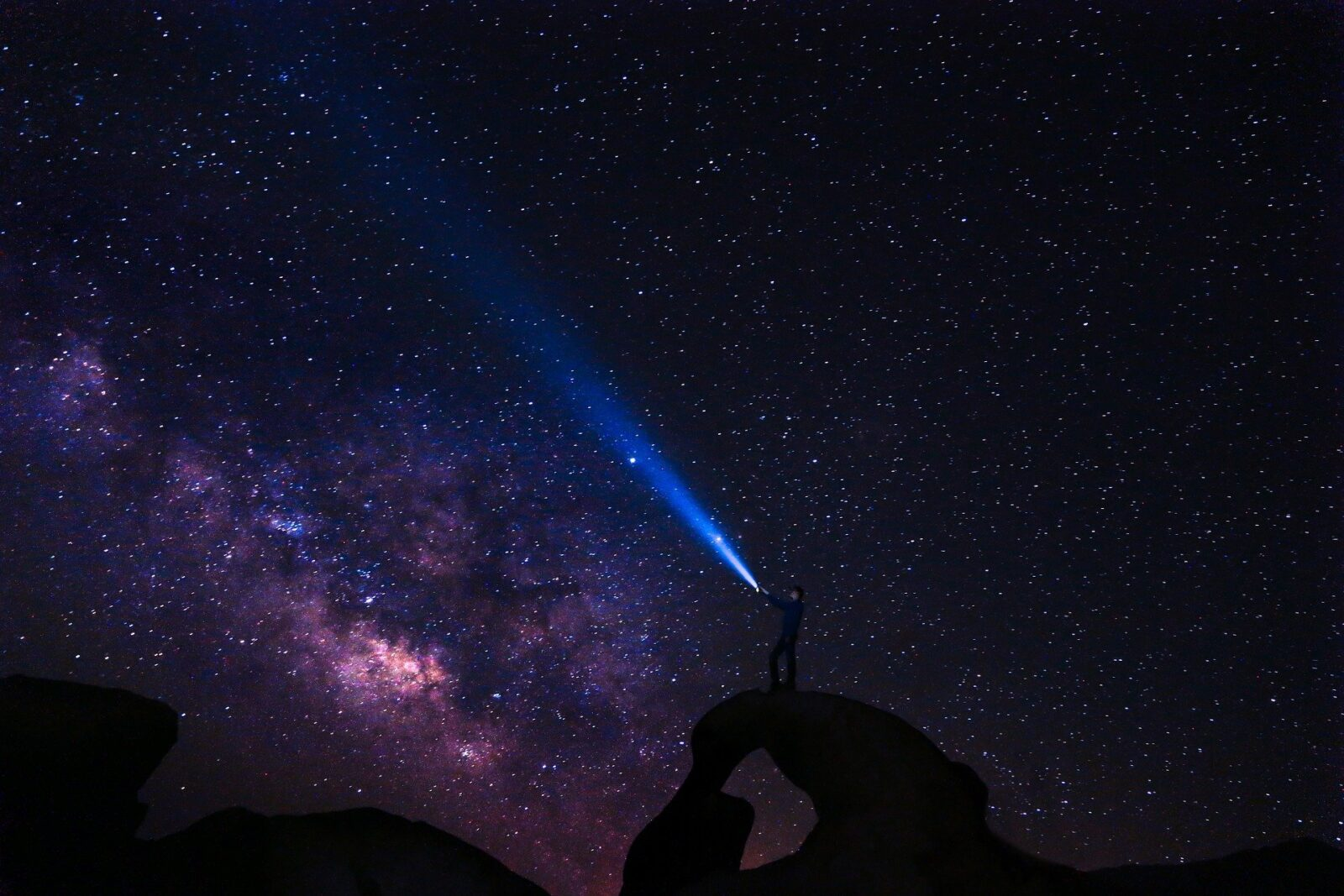Astronomowie zarejestrowali kolejne szybkie błyski radiowe w naszej galaktyce