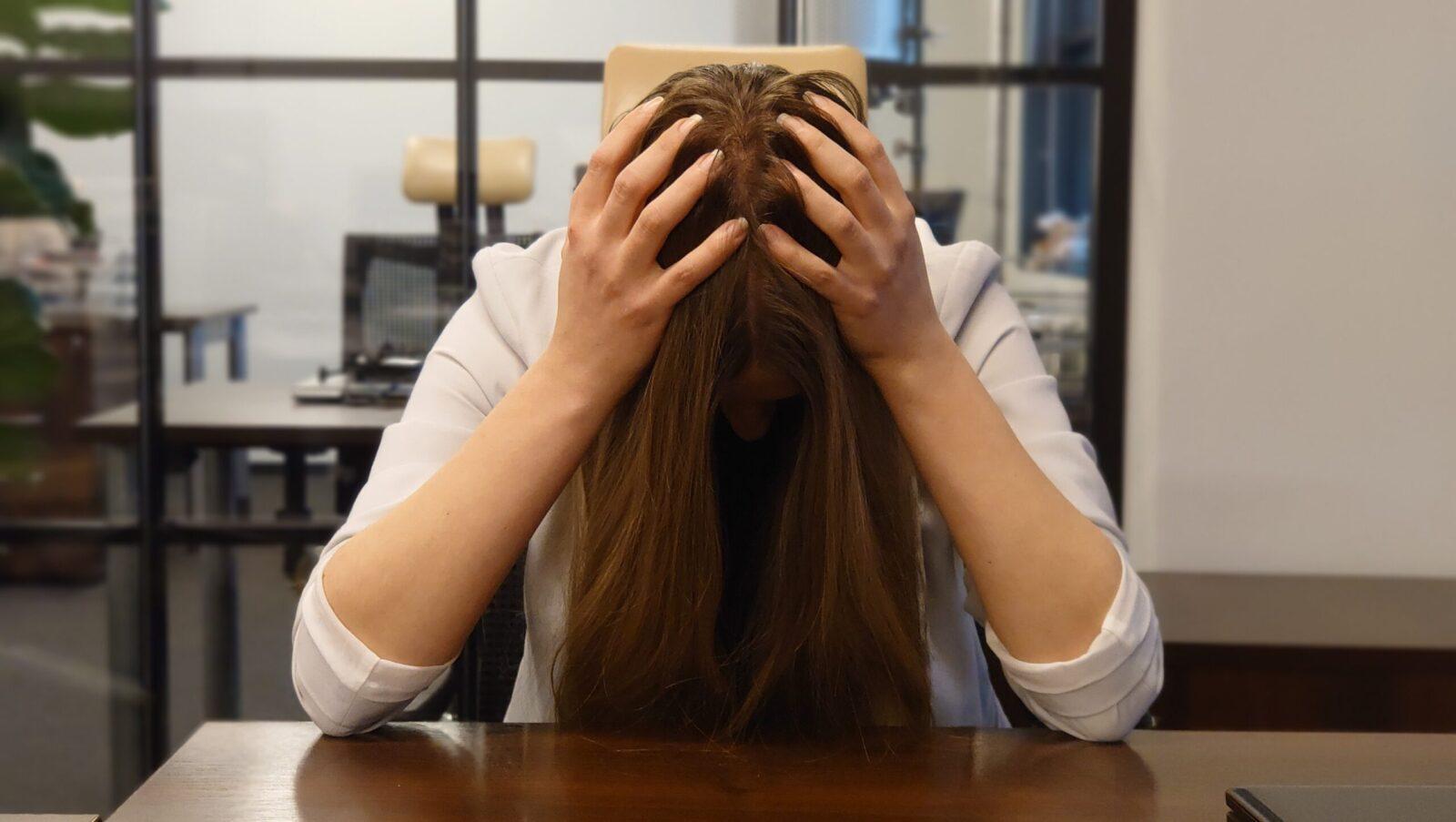 Opracowane przez naukowców urządzenie ubieralne skutecznie zmierzy poziom hormonu stresu. W przyszłości może pomóc m.in. osobom z depresją