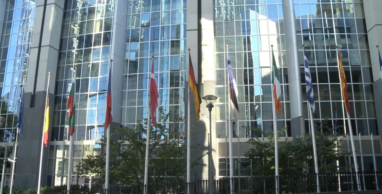 Europosłowie interweniują w sprawie upolityczniania rozwoju 5G. Ostrzegają przed poważnymi międzynarodowymi reperkusjami