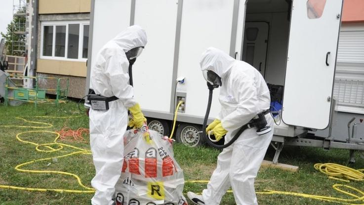Biuro Analiz PE: skażenie azbestem to nadal problem w UE; narażony jest praktycznie każdy