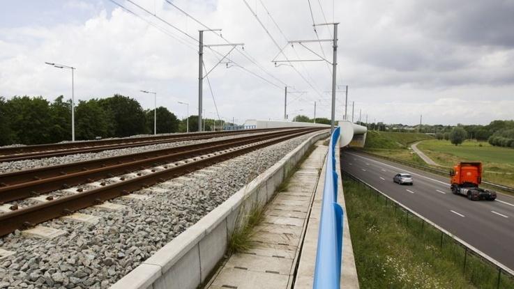 """Komisja ds. transportu PE zatwierdziła porozumienie w sprawie instrumentu """"Łącząc Europę"""""""
