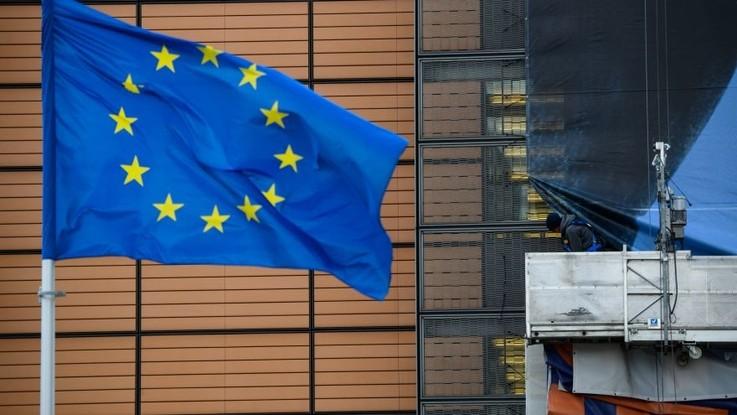 Badanie Eurobarometru: obywatele UE nadal postrzegają Unię pozytywnie, ale chcą reform