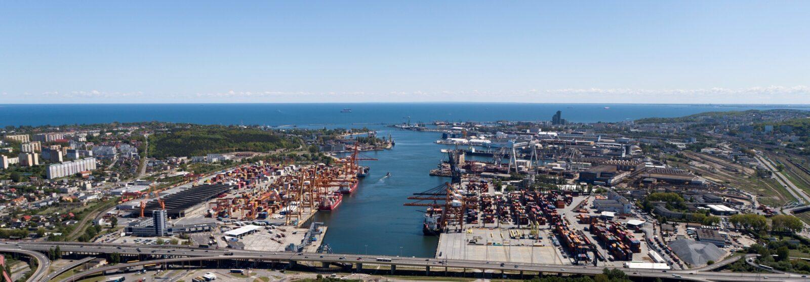 Port Gdynia ogłosił przetarg na terminal kontenerowy i instalacyjny dla morskich farm wiatrowych