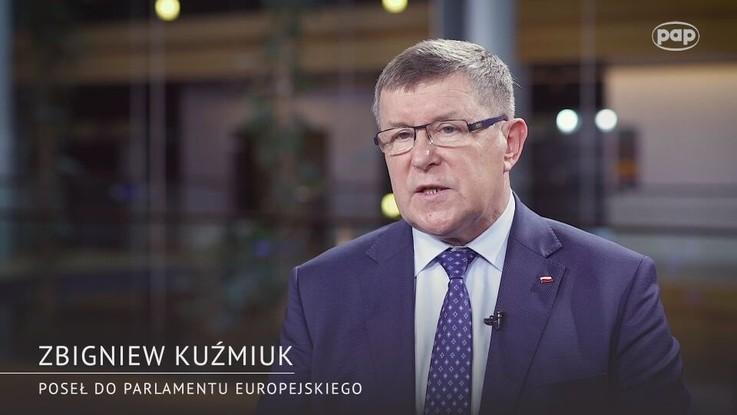 Zbigniew Kuźmiuk: zakaz chowu klatkowego szansą dla drobniejszych gospodarstw